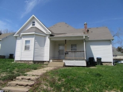 Real Estate Listing  406 W Michigan Kirksville